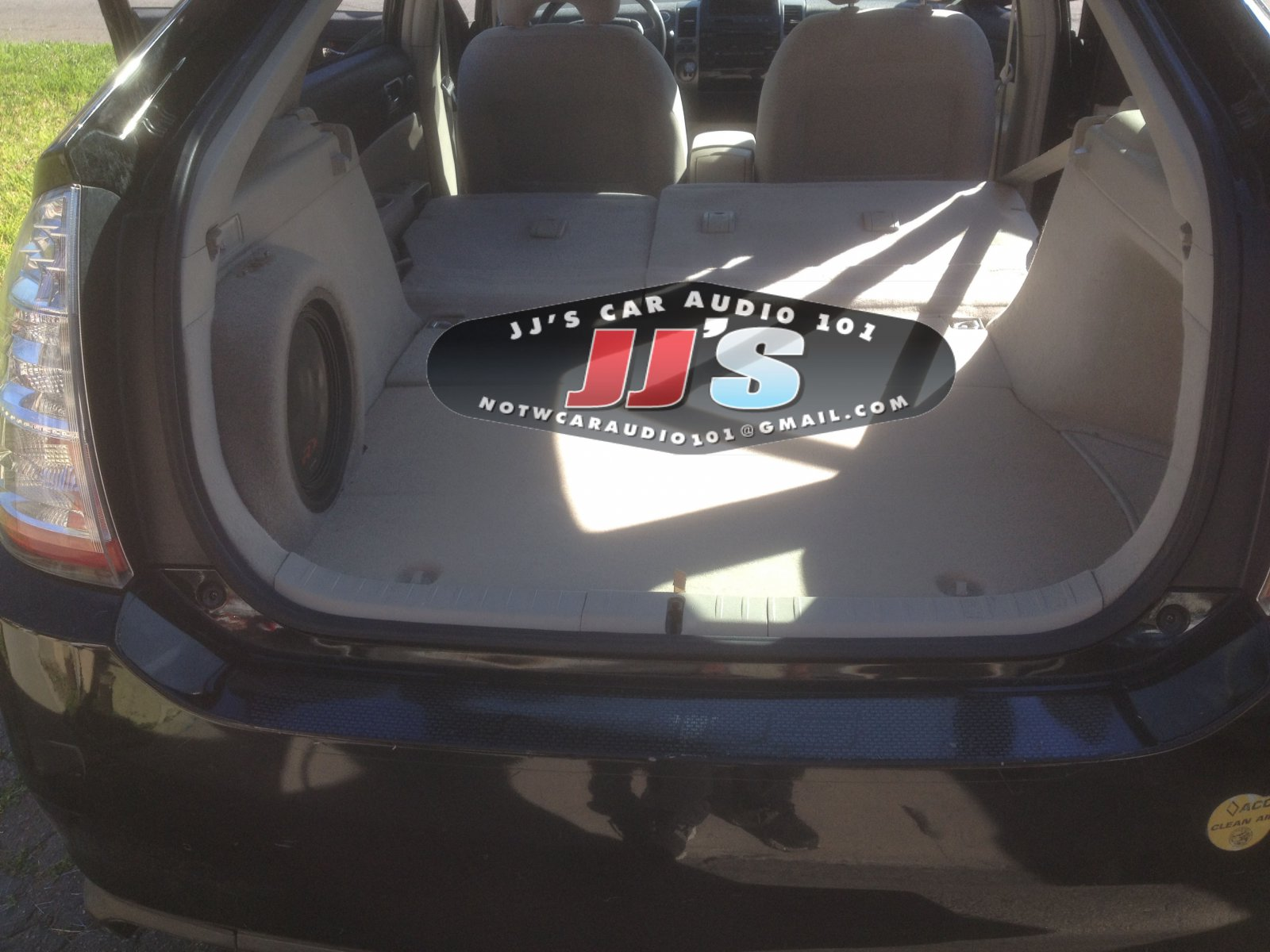 12 Inch Subwoofer In The Cargo Box With Amp In 2008