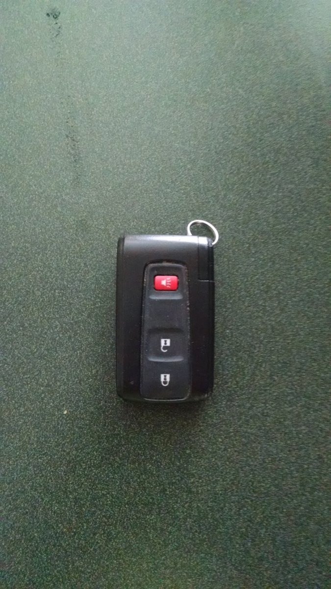 for sale 2007 prius key fob for smart key system priuschat. Black Bedroom Furniture Sets. Home Design Ideas
