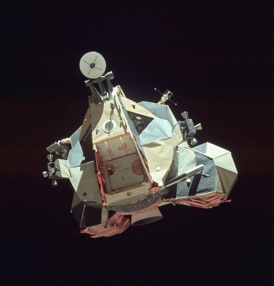 Apollo-17-21278621394_a505e06f18_oe.jpg