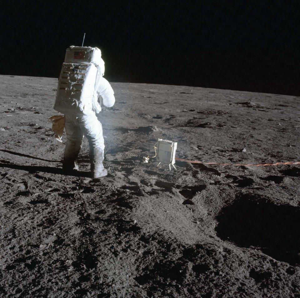 Apollo-12-21512083570_a34508d222_oe.jpg