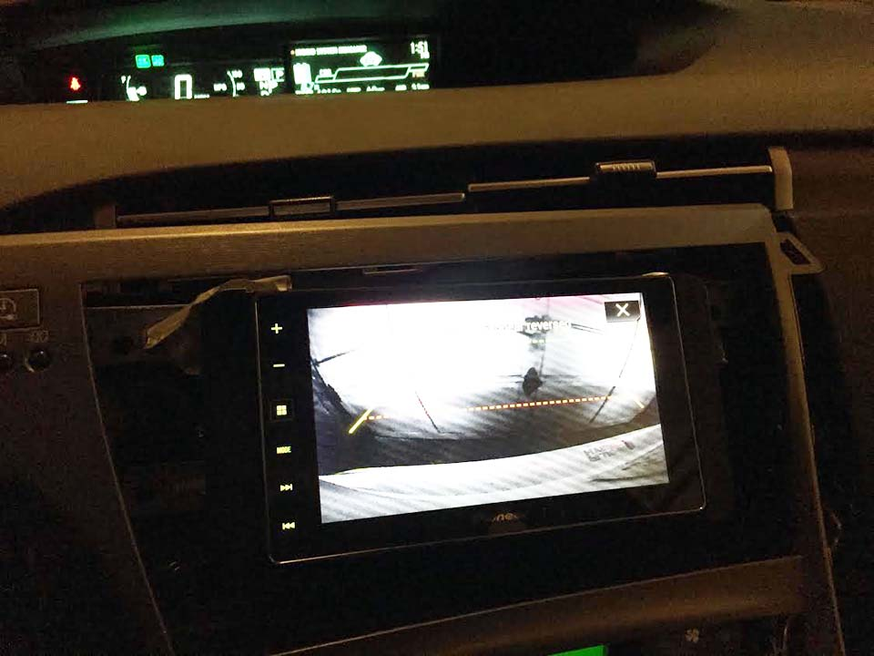 How to hook up backup camera to radio
