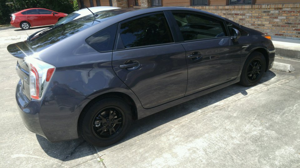 Blacked Out Wheels on Toyota Prius Battery Location