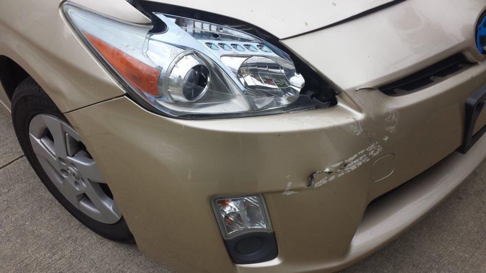 prius headlight.jpg