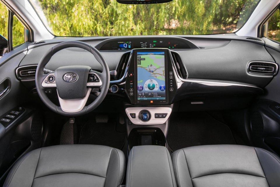 2017 Toyota Prius Prime Advanced 028 Jpg 029