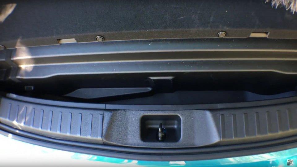 Rear slot.jpg
