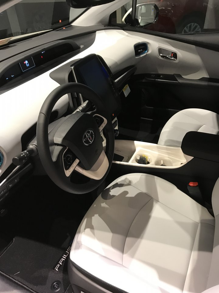 Taking delivery of my prime have you page 3 priuschat for Toyota prius moonstone interior
