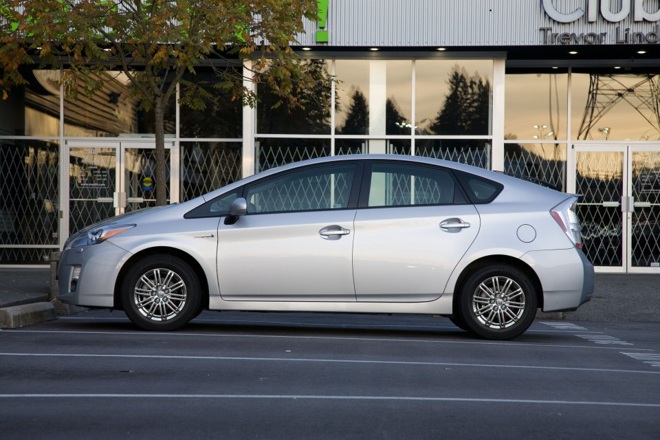 2010 Prius With 15 Inch Chromed 10 Spoke Rims Jpg