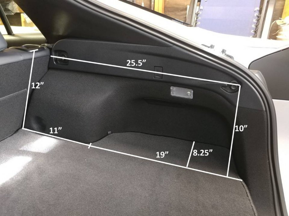 prius interior specifications
