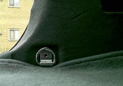 luggage strap bolt.jpg