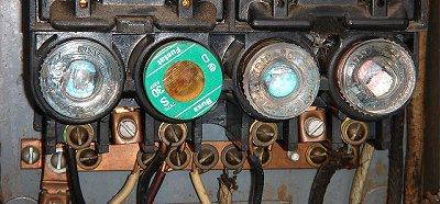 plug-fuse-panel-sm.jpg