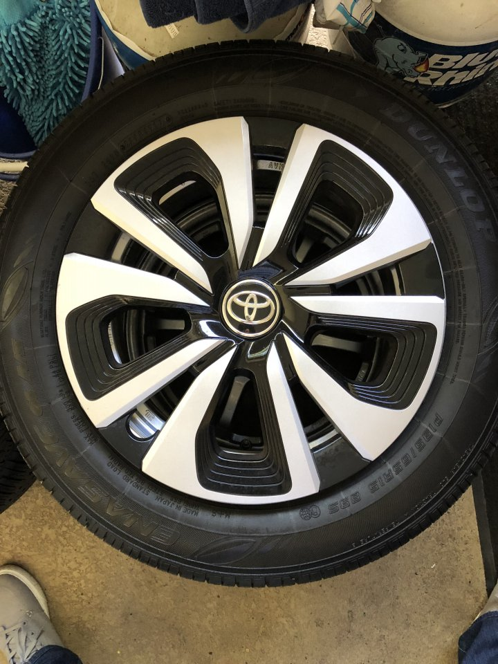 Tires For Less >> For Sale Toyota Prius Prime Oem Wheels Hubs Tires Less Than 2k