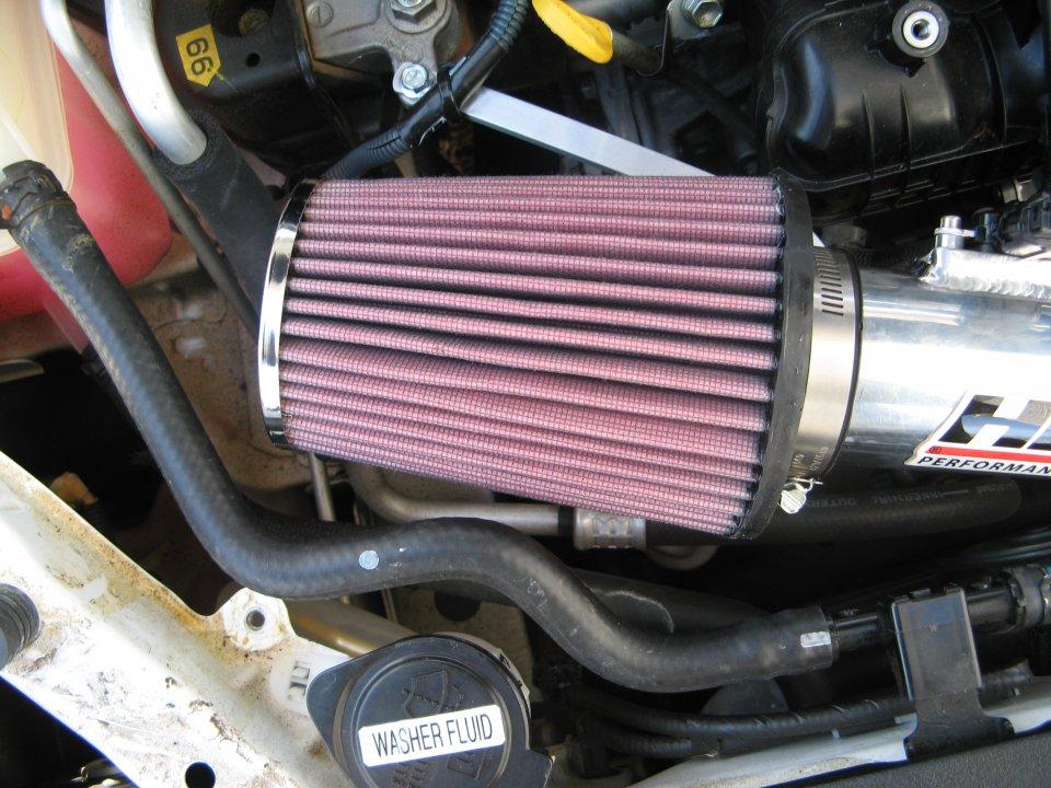 HPS on Prius v custom aluminum support bracket 2.jpg