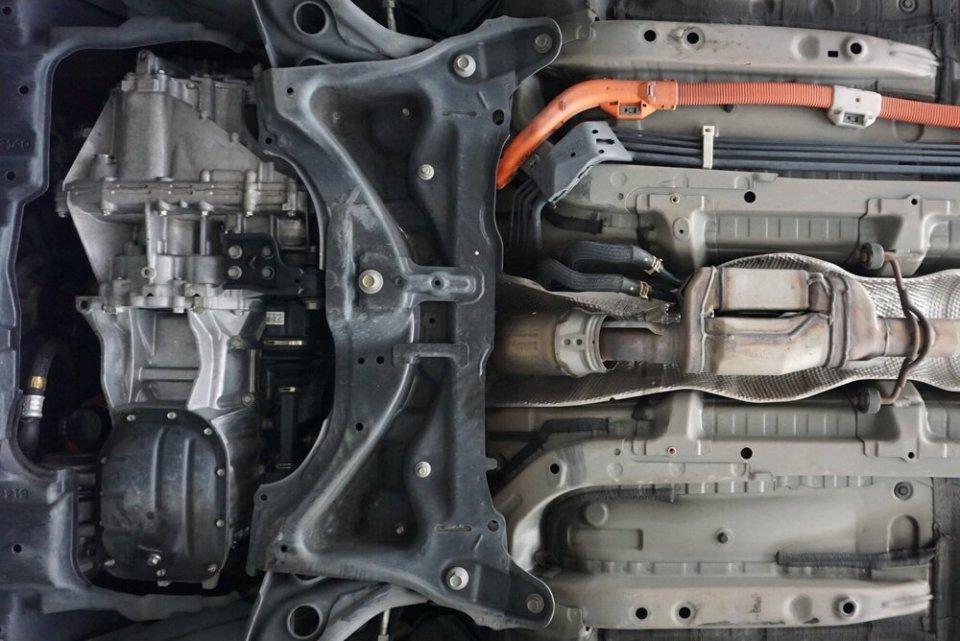 Prius c exhaust.jpg