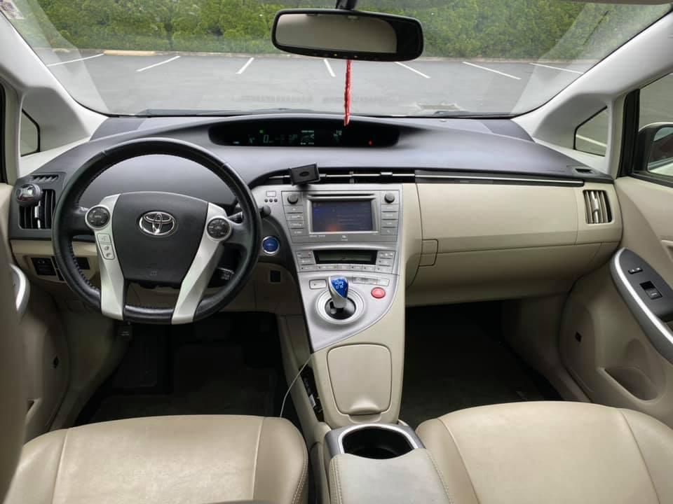 Prius 8.jpg