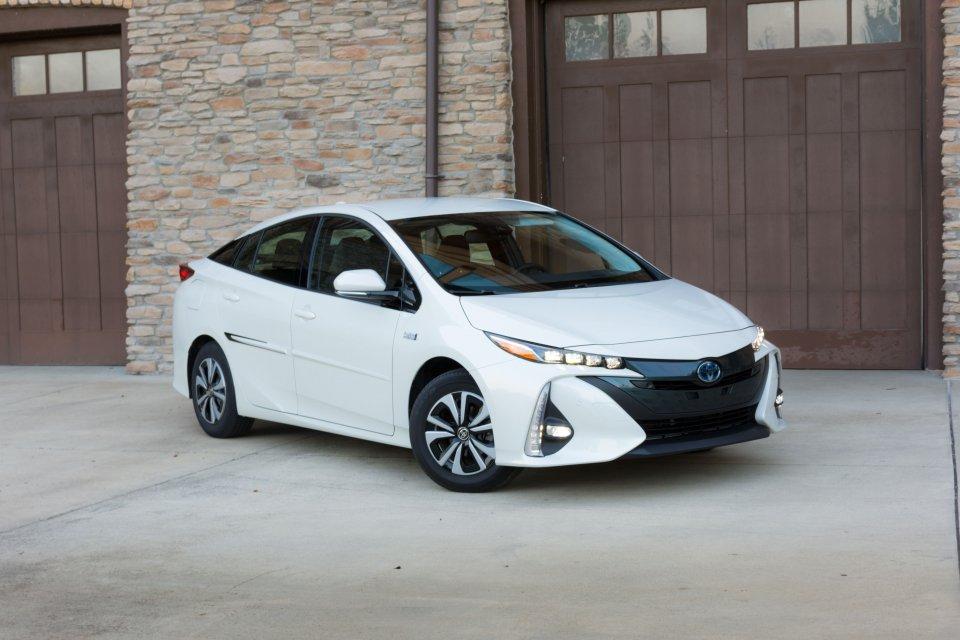 2017-Toyota-Prius-Prime-10-of-10.jpg
